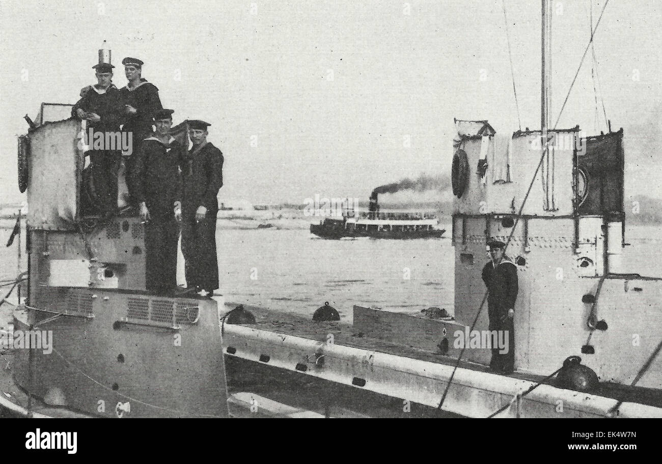 German Submarine 1915 Stock Photos & German Submarine 1915