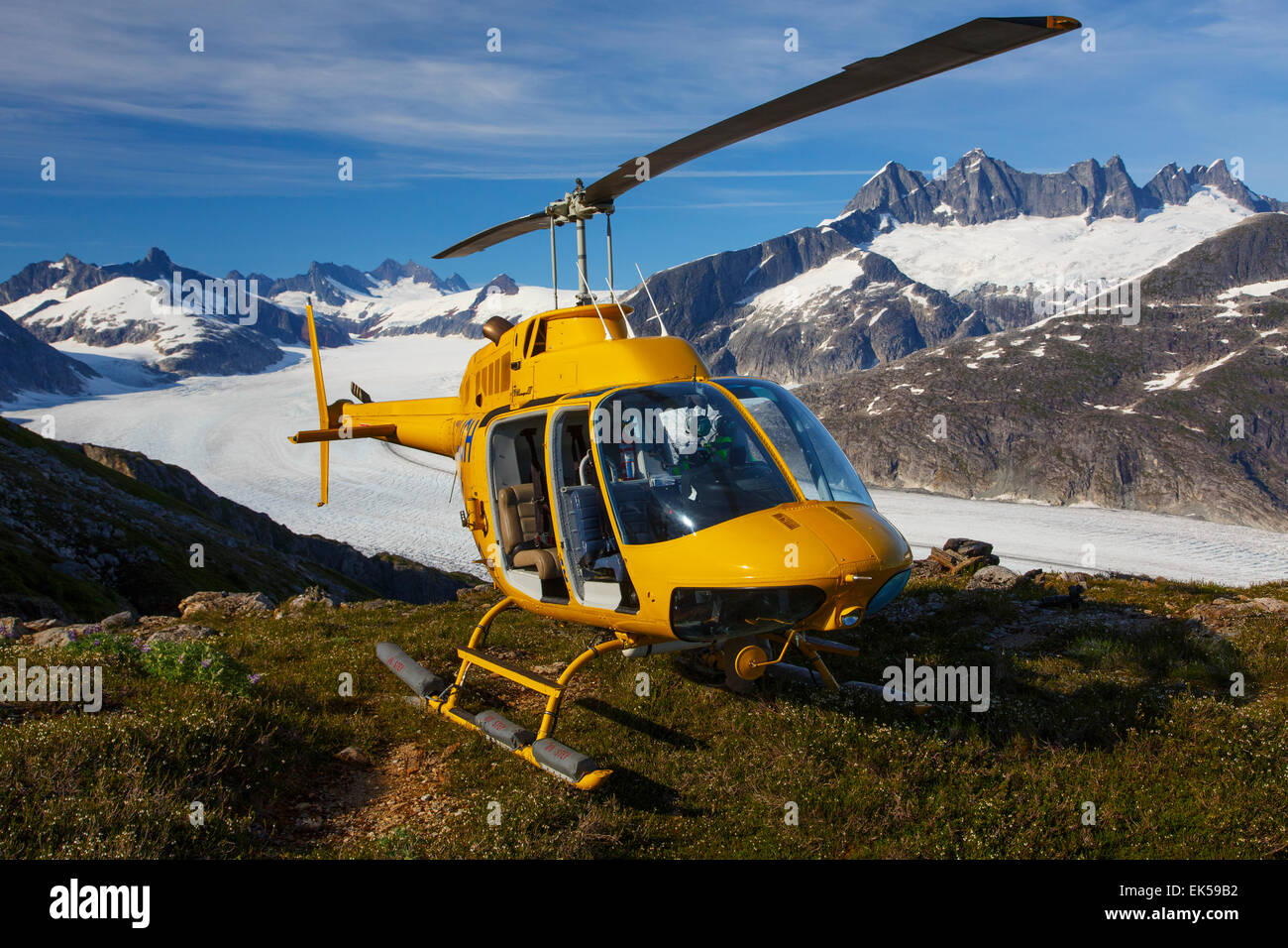 Helicopter on Mount Stroller White above the Mendenhall Glacier, Tongass National Forest, Alaska. - Stock Image