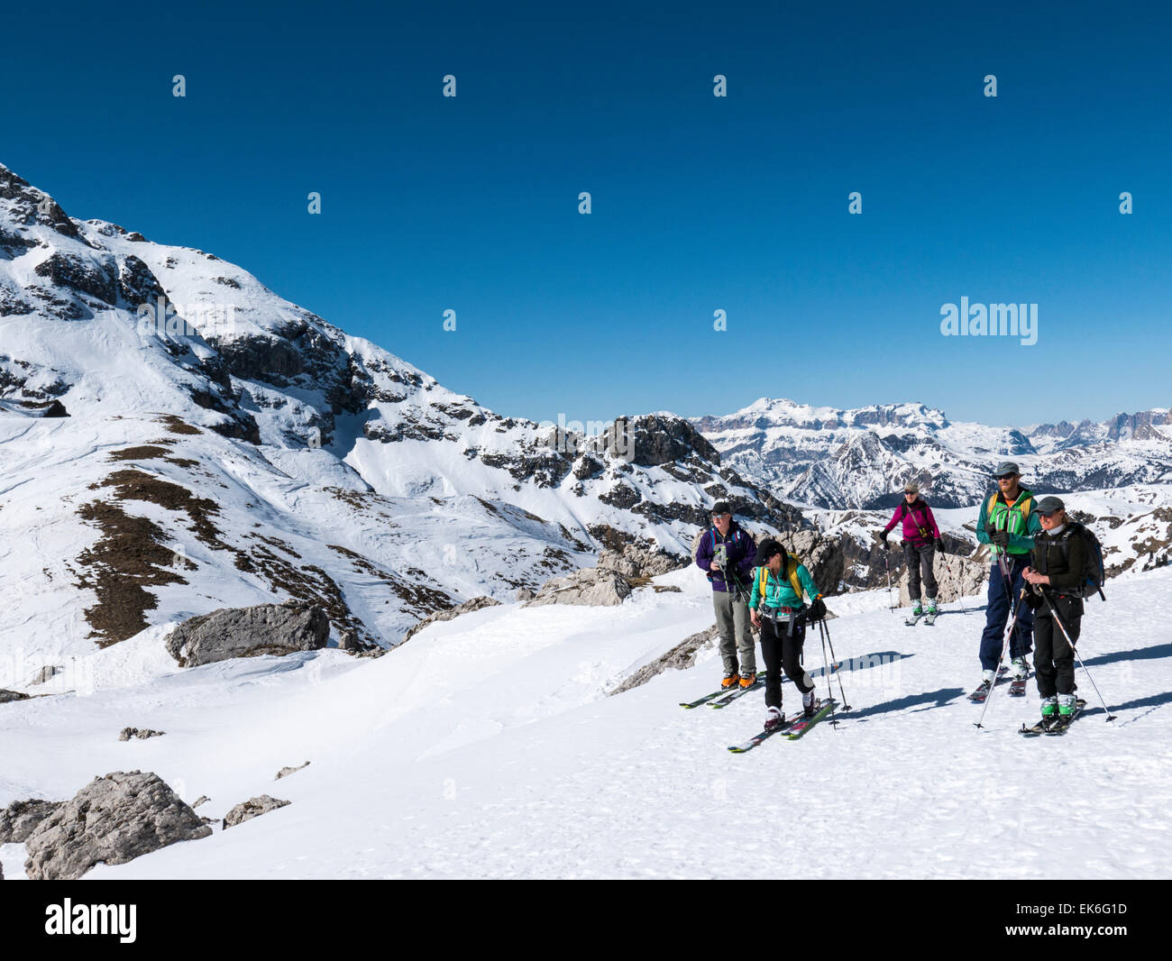 Backcountry skiers, Mondeval, Dolomite Mountains, Alps, Italy - Stock Image