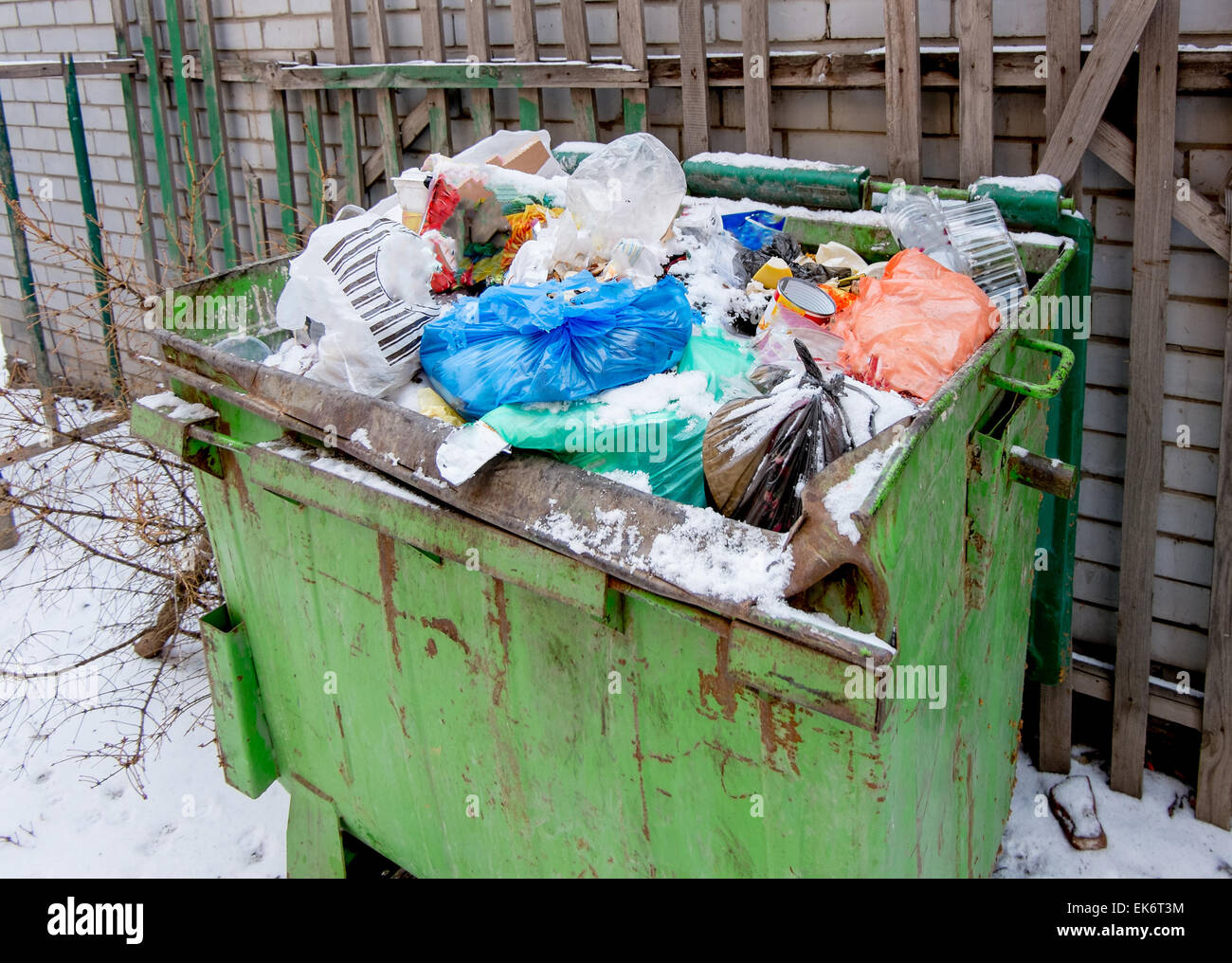 Dirty Dumpster High Resolution Stock Photography and Images - Alamy
