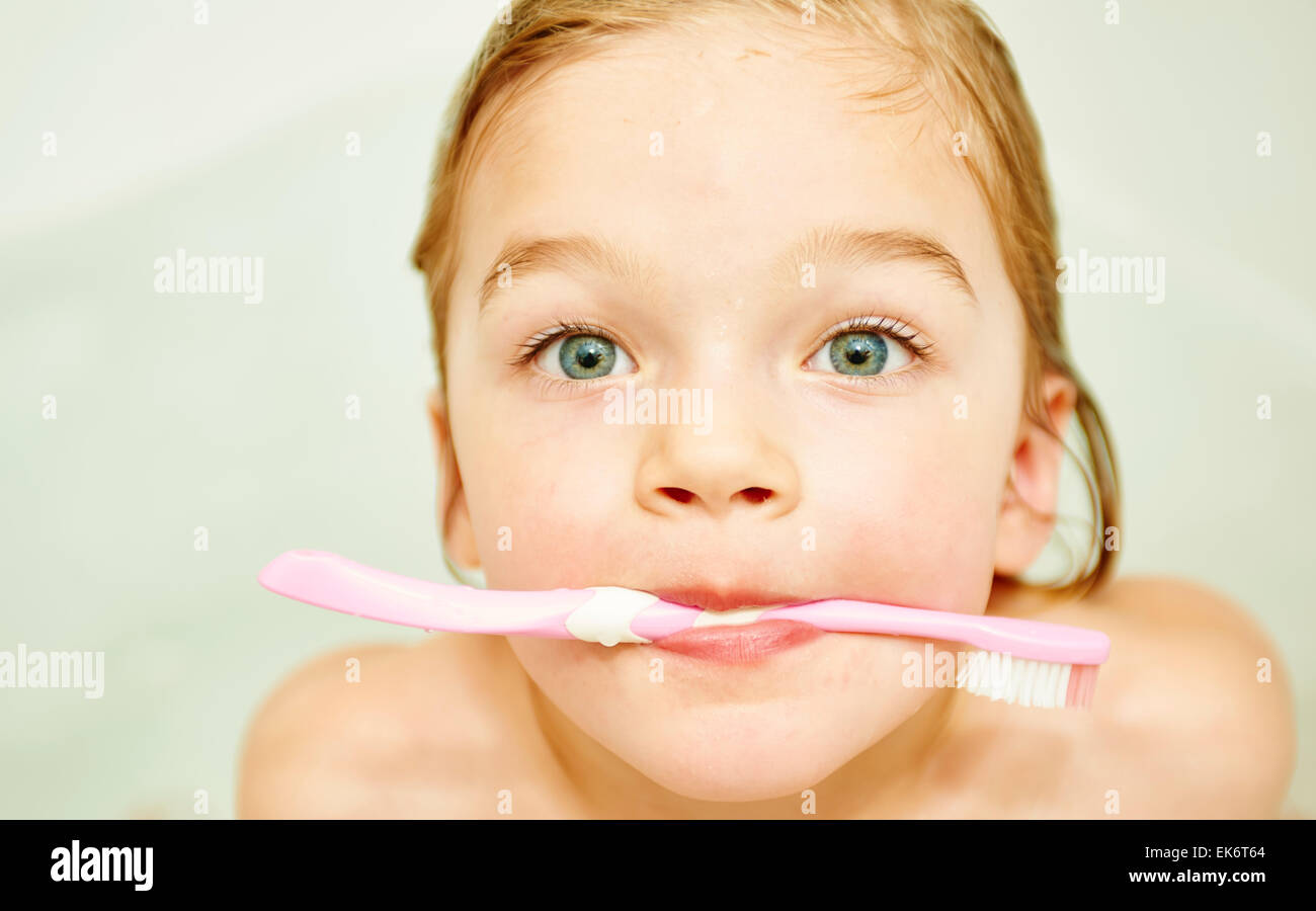 18ea4dbcf1 Holding Toothbrush Water Stock Photos   Holding Toothbrush Water ...