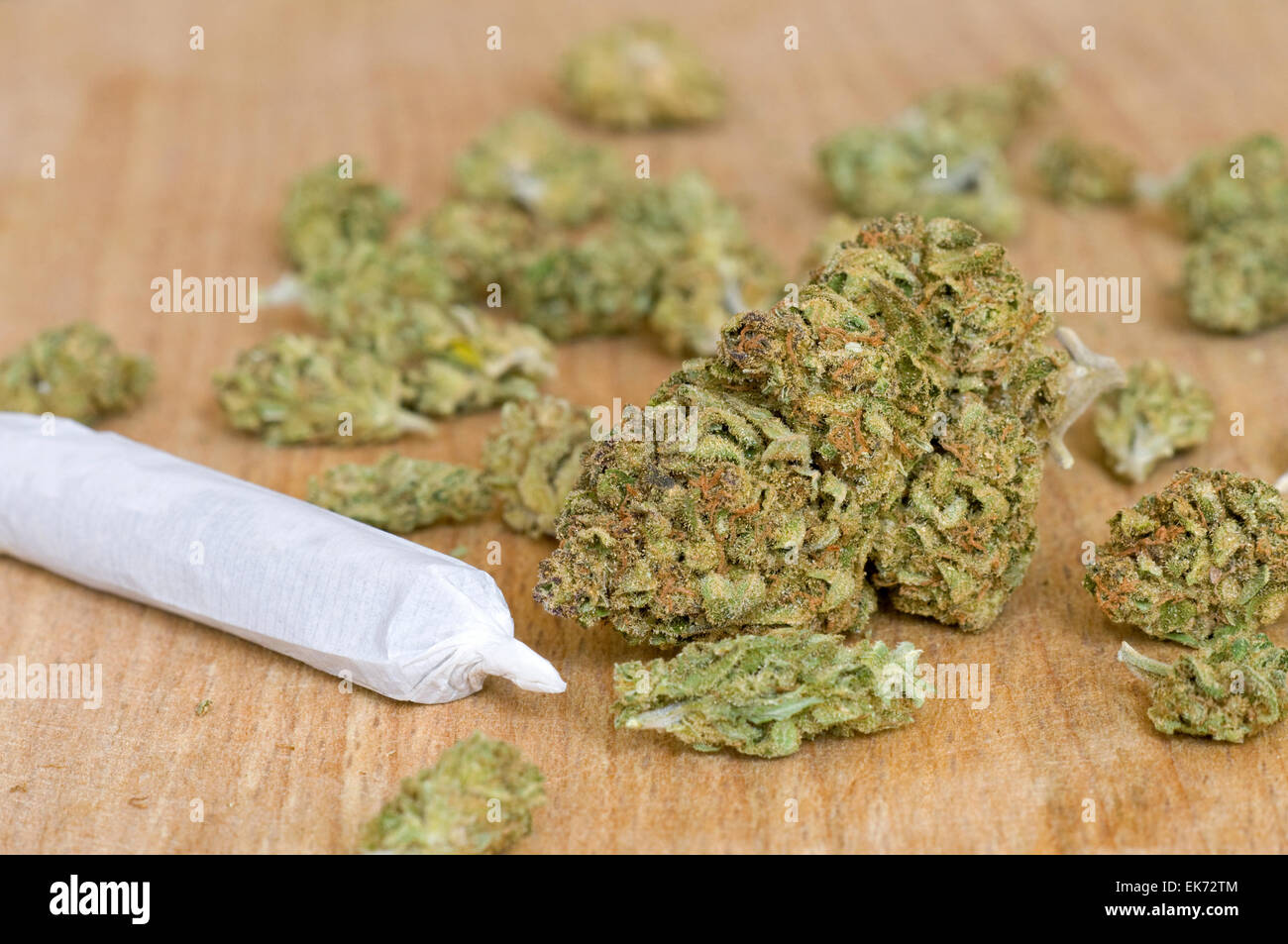 Dry marijuana buds and joint - Stock Image