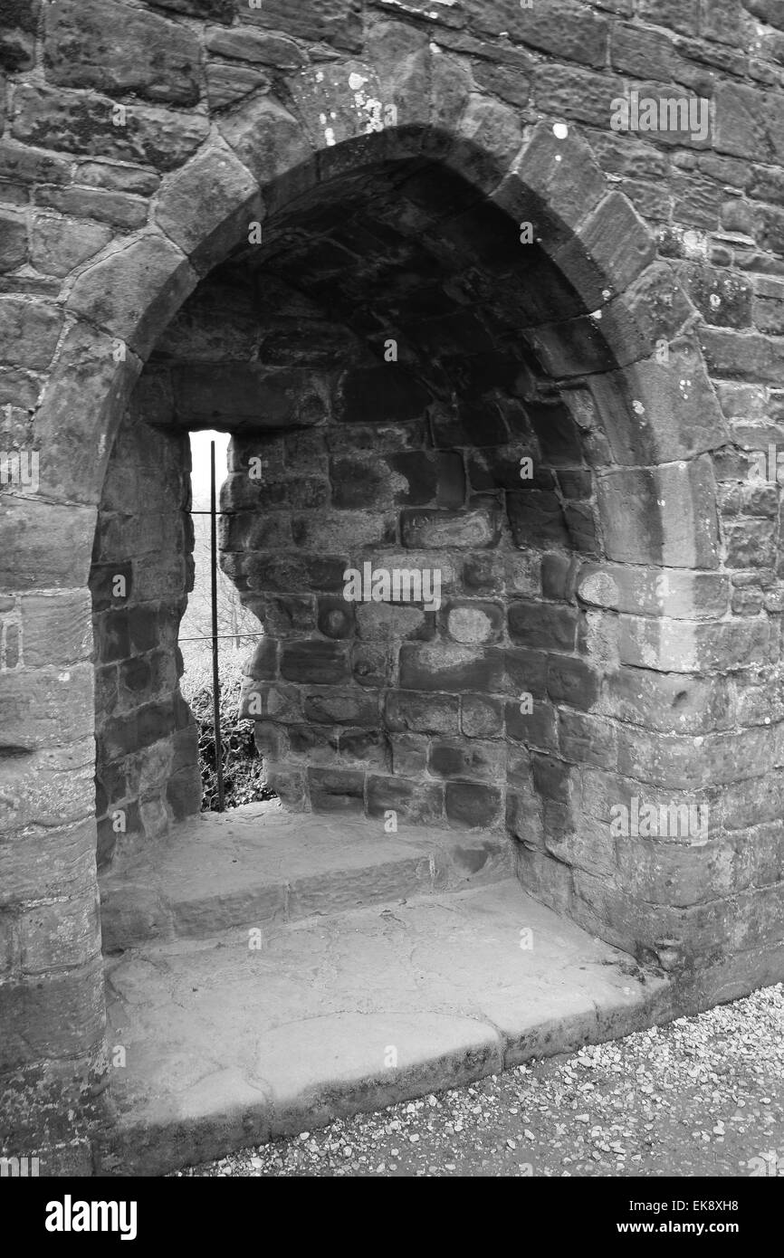 Arrowslit at Kenilworth Castle, England - Stock Image