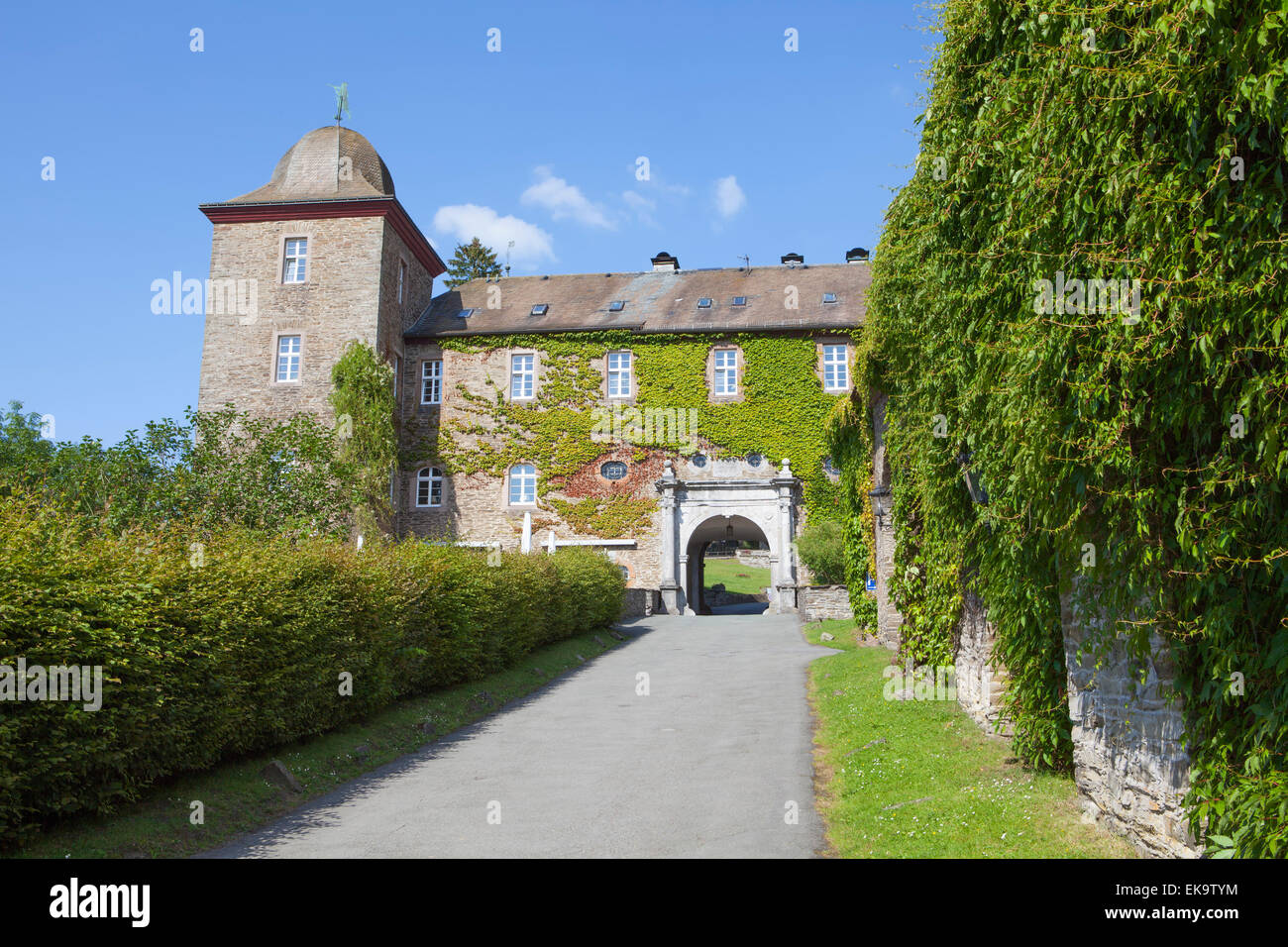 Burg Schnellenberg Castle, Hanseatic City of Attendorn, Sauerland region, North Rhine-Westphalia, Germany, Europe Stock Photo