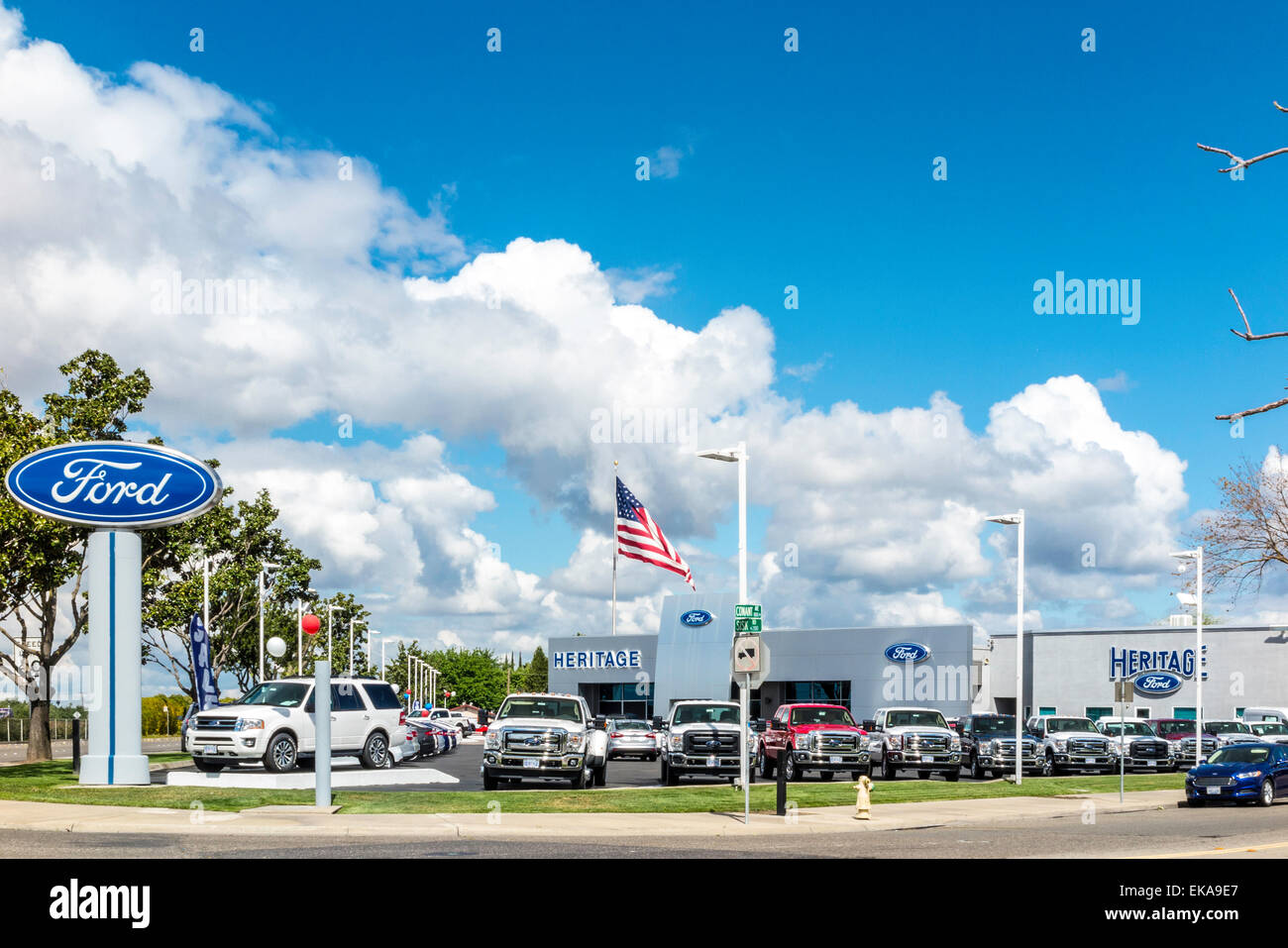 Ford Dealership Modesto >> A Ford Dealership In Modesto California Stock Photo