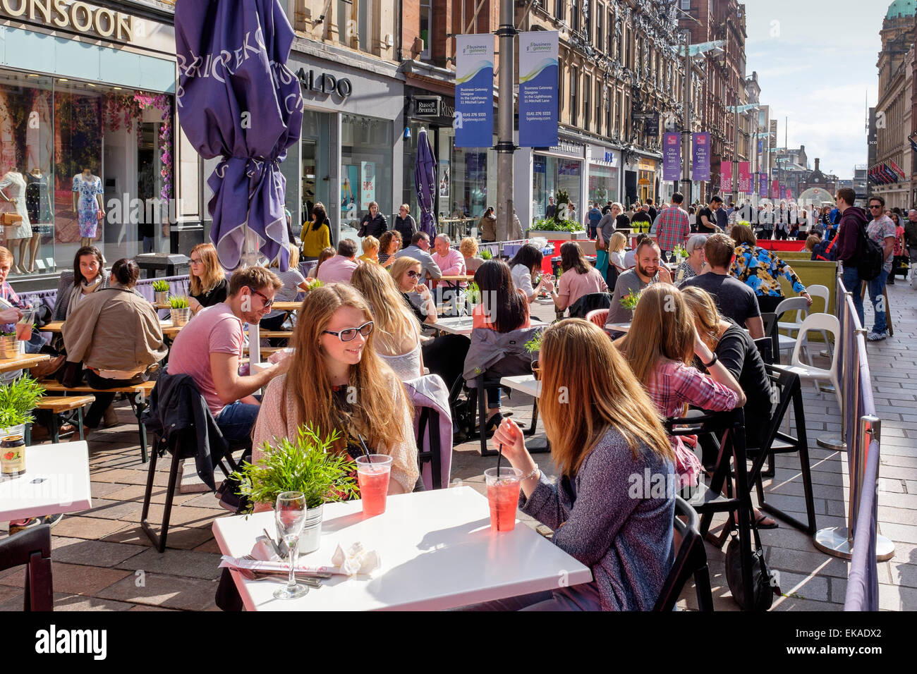 Restaurants and bars in Buchanan Street, Glasgow, UK - Stock Image