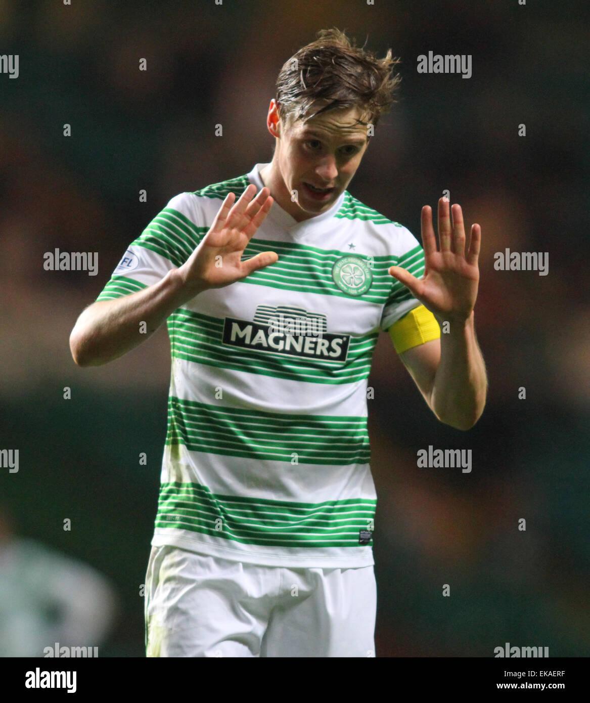 Glasgow, Scotland. 08th Apr, 2015. Scottish Premier League. Celtic versus Partick Thistle. Stefan Johansen apologises - Stock Image