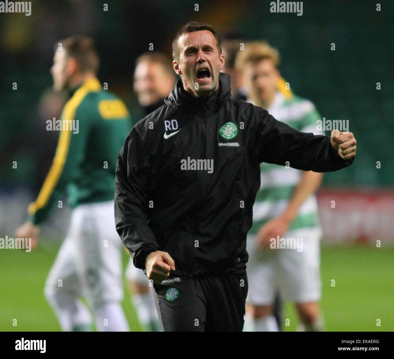 Glasgow, Scotland. 08th Apr, 2015. Scottish Premier League. Celtic versus Partick Thistle. Ronny Deila roars to - Stock Image