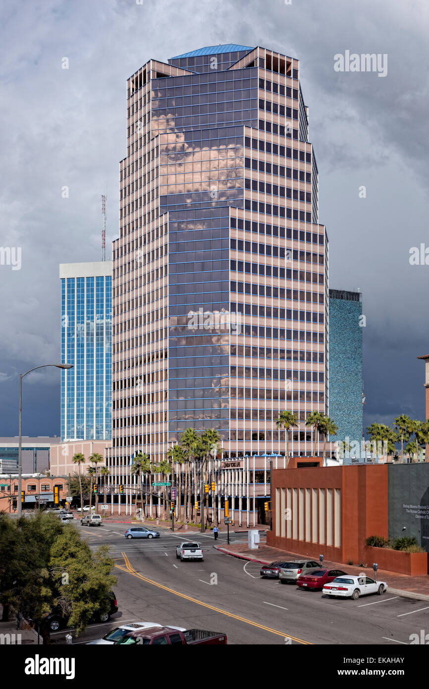 The UniSource Energy Building is the tallest building in Tucson, AZ - Stock Image