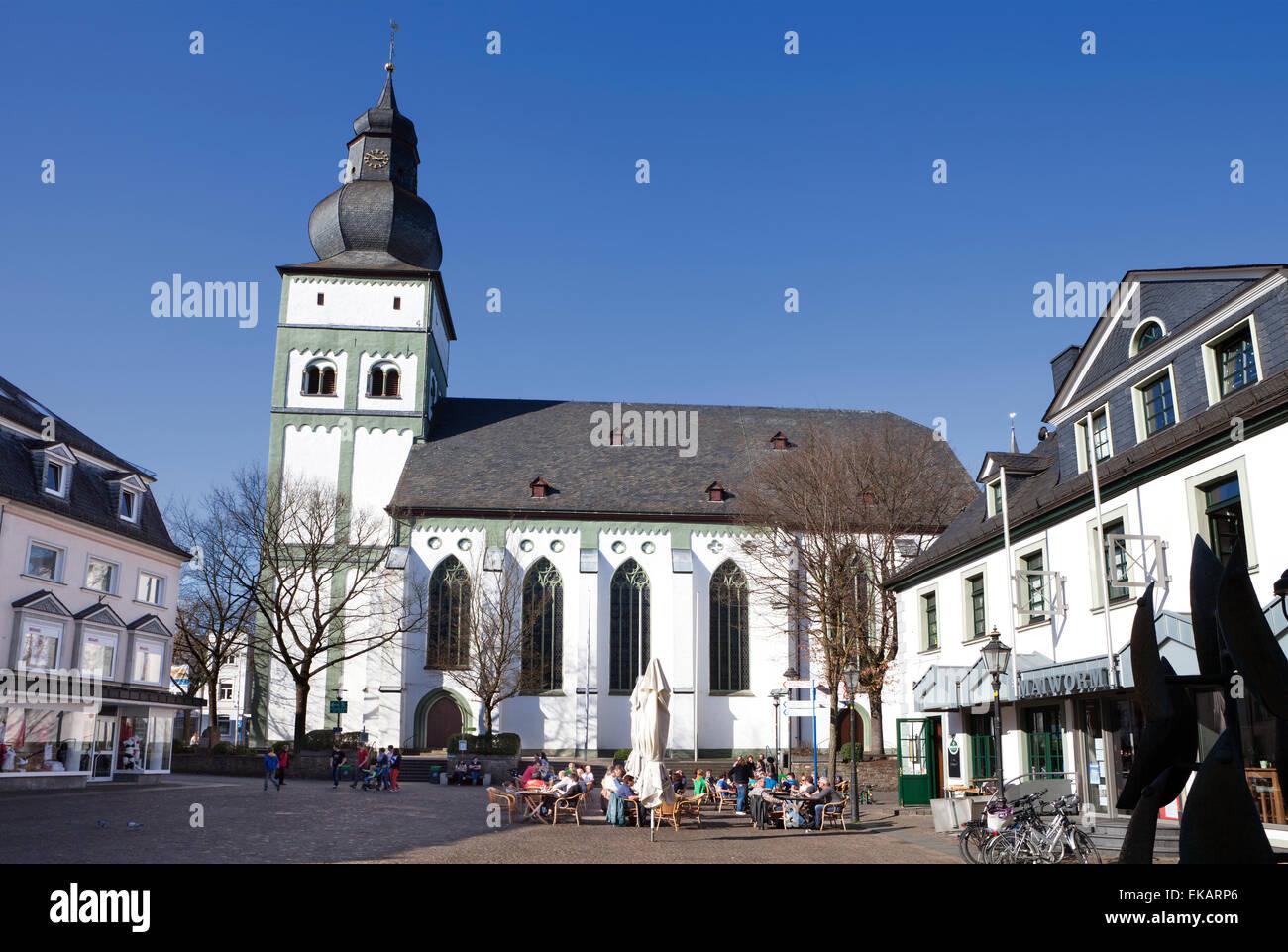 Parish church on the Alter Markt square, Hanseatic City of Attendorn, Sauerland region, North Rhine-Westphalia, - Stock Image
