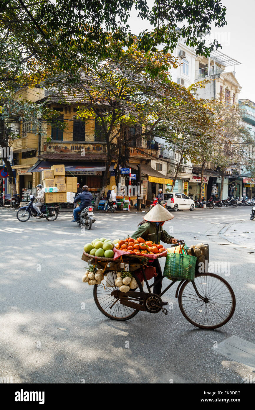Street scene in the old quarter, Hanoi, Vietnam, Indochina, Southeast Asia, Asia - Stock Image