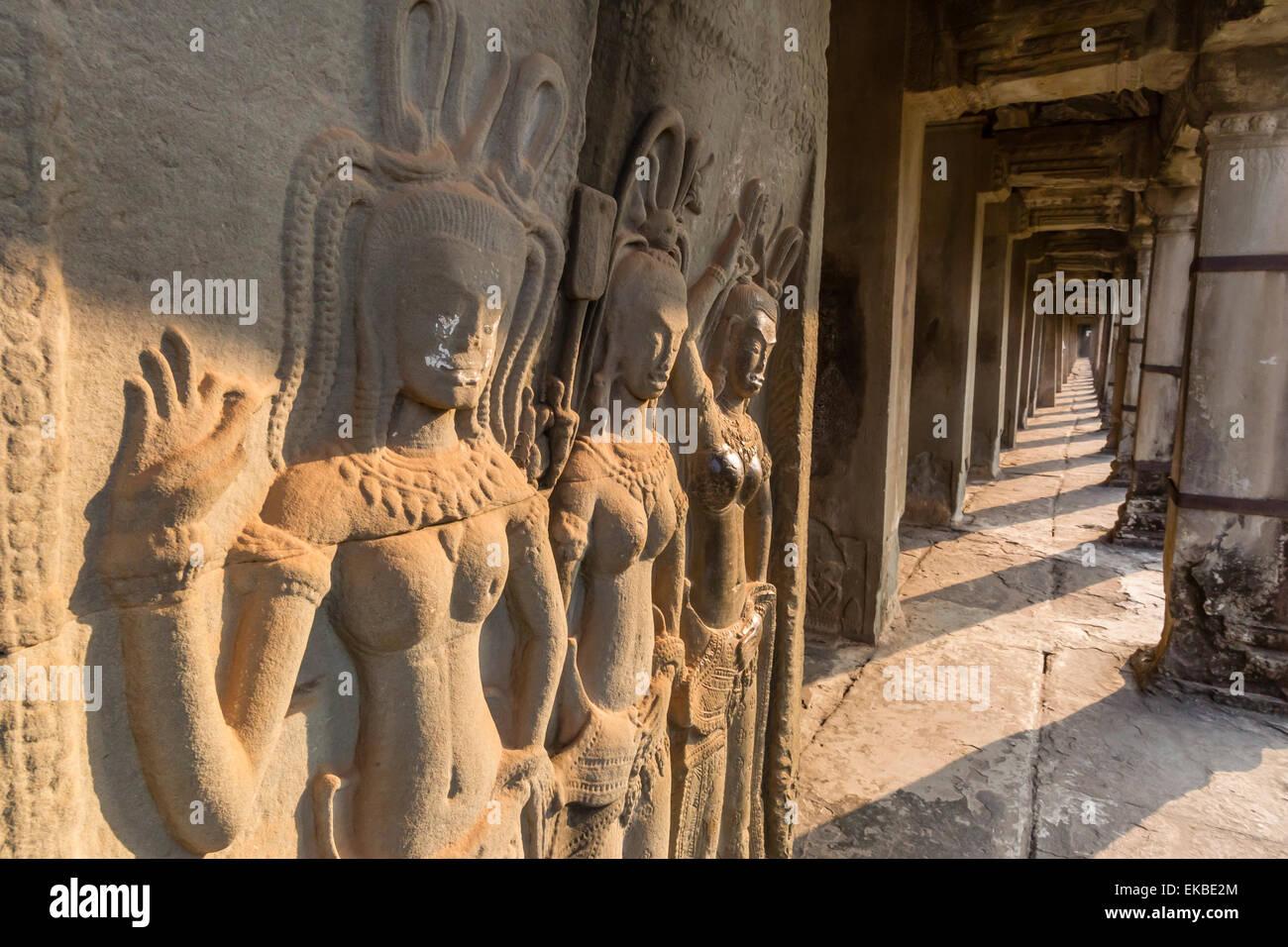 Bas-relief carvings of Apsara, Angkor Wat, Angkor, UNESCO, Siem Reap, Cambodia, Indochina, Southeast Asia, Asia - Stock Image