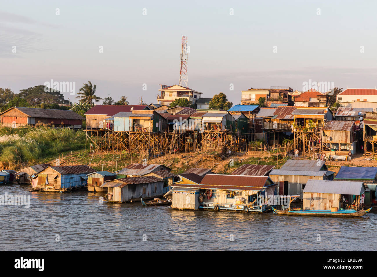 Life along the Mekong River approaching the capital city of Phnom Penh, Cambodia, Indochina, Southeast Asia, Asia - Stock Image