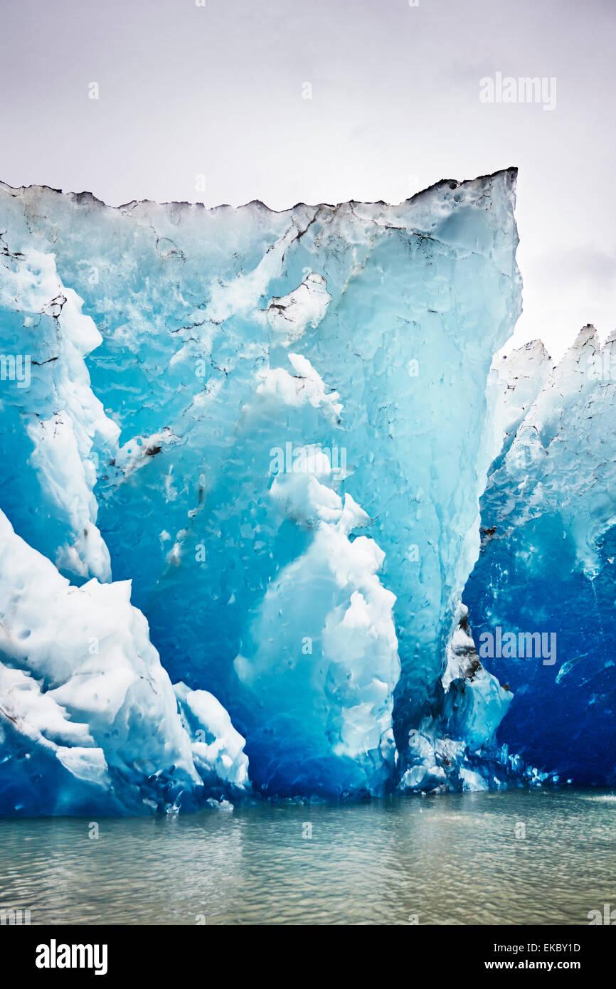 Iced cliff of Mendenhall Glacier, Juneau, Alaska, USA - Stock Image