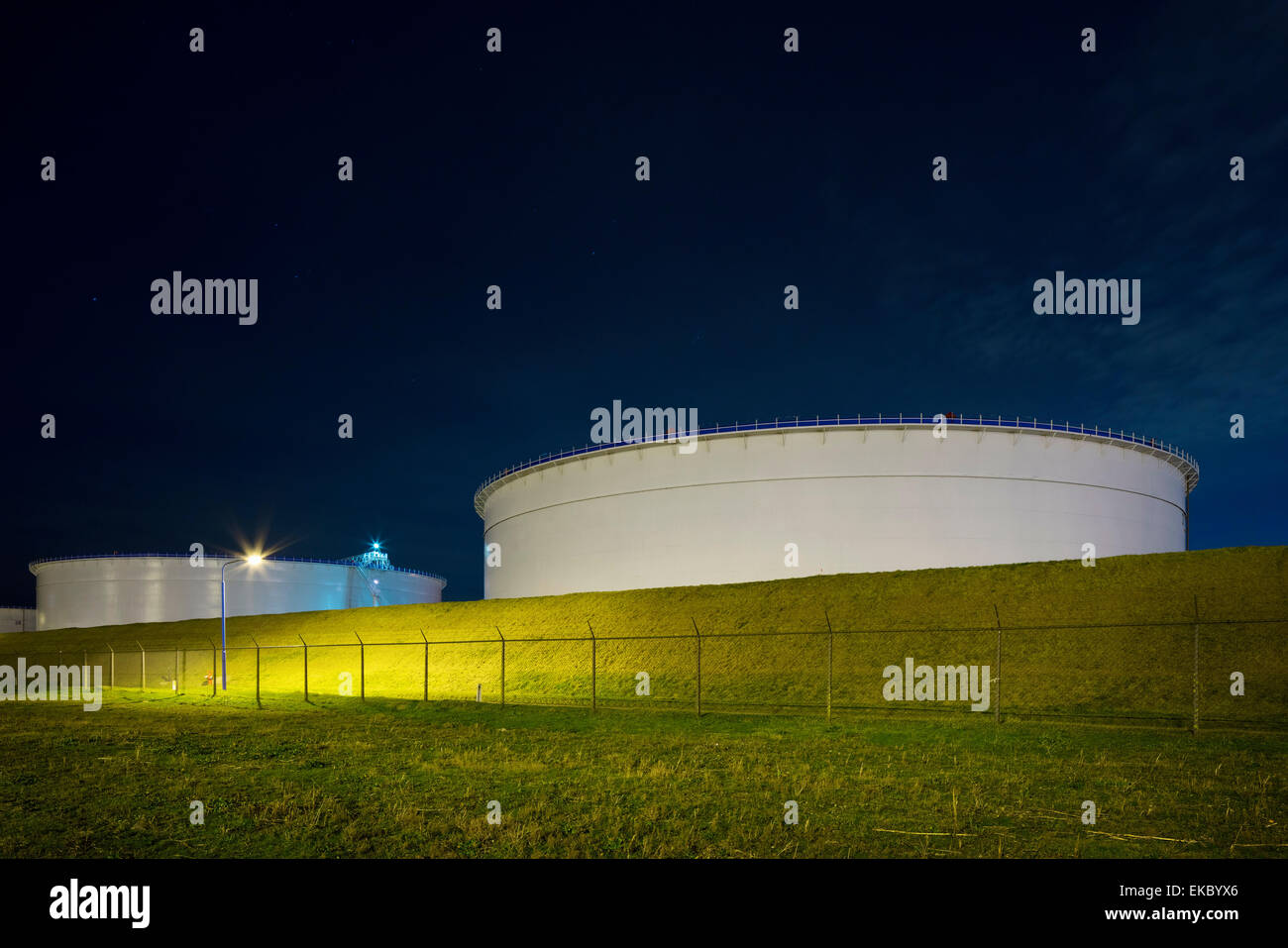 Oil storage on Maasvlakte,an area of newly created land in the north sea, Rotterdam, Zuid-Holland, The Netherlands Stock Photo