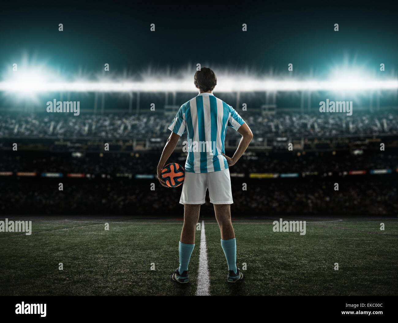 Footballer waiting for kick off - Stock Image