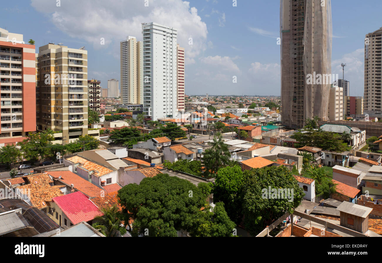 Brazil, emerging country: emergence of middle class stimulates construction of apartment buildings, replacing individual Stock Photo