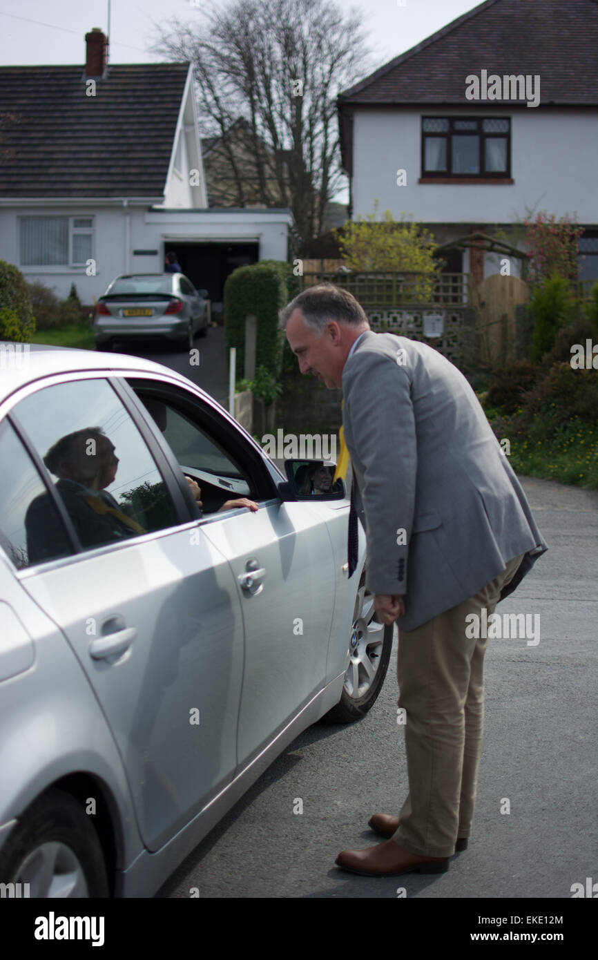 Mark Williams meeting voters in Ceredigion, West Wales during the General Election 2015 Stock Photo