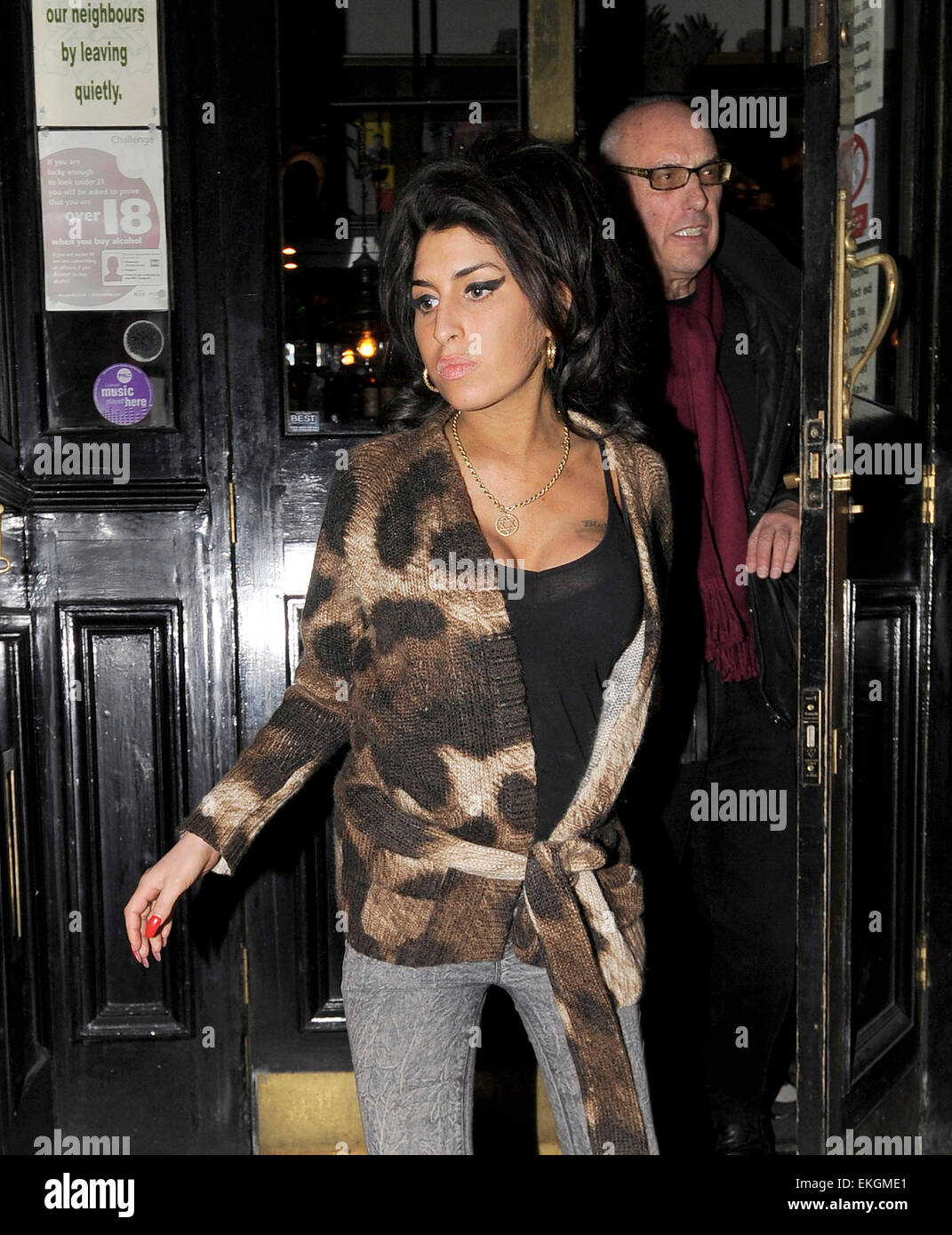 Amy Winehouse Leaving the 10 Room nightclub, May 30th
