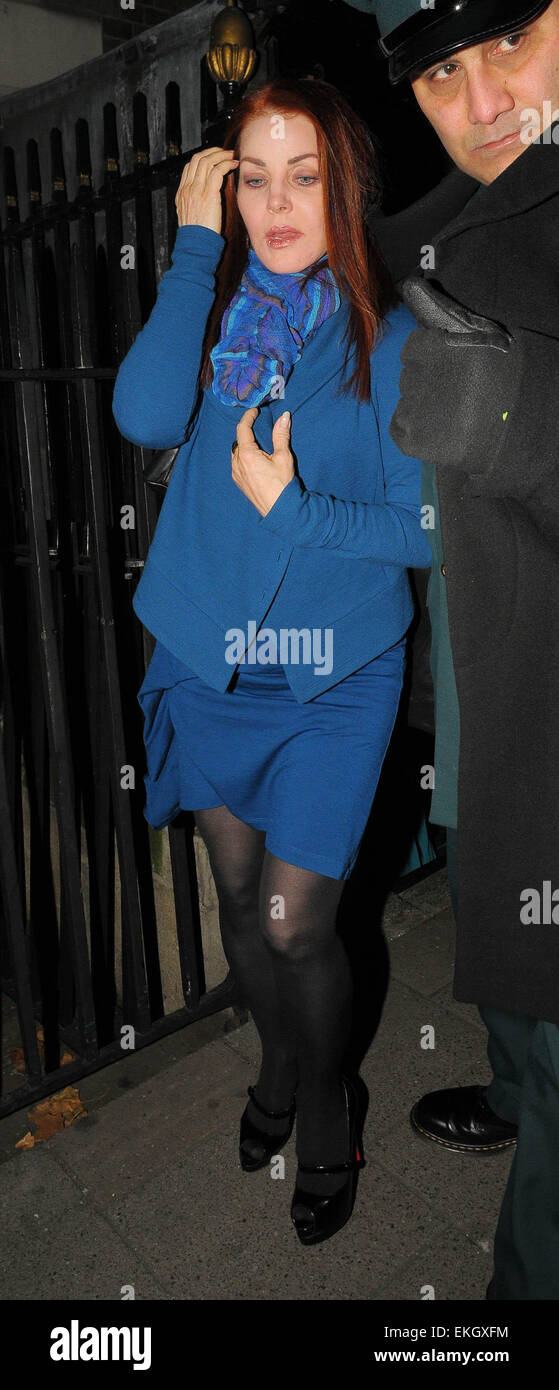 15.OCTOBER.2009 - LONDON  PRISCILLA PRESLEY LEAVING ANNABELL'S PRIVATE MEMBERS CLUB IN MAYFAIR AT 3.15AM AFTER - Stock Image