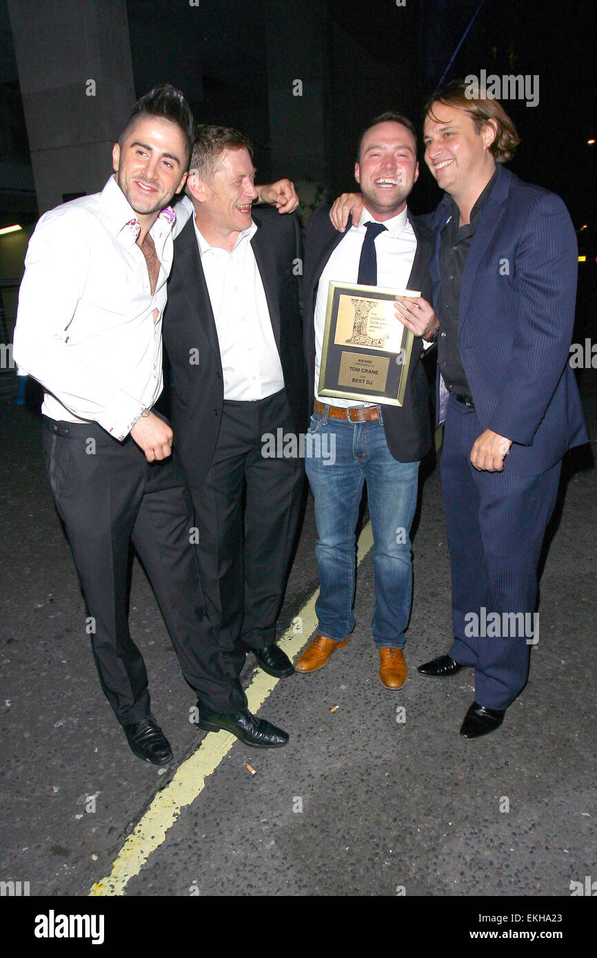 06.JUNE.2011. LONDON  TOM CRANE WITH HIS TOP DJ AWARD CELEBRATING WITH FRIENDS AT THE LONDON BAR AND CLUB AWARDS - Stock Image