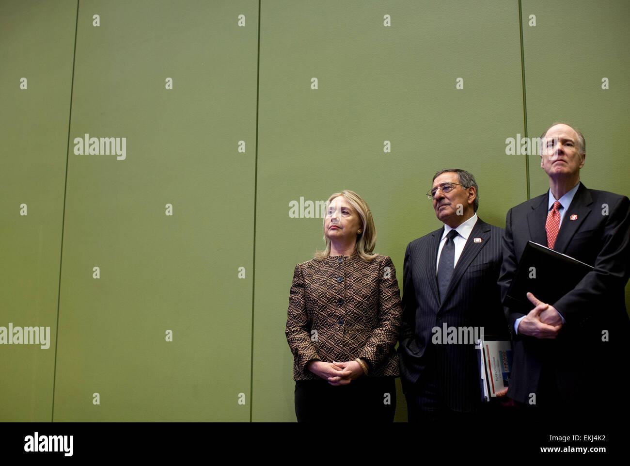 20.MAY.2012. CHICAGO  SECRETARY OF STATE HILLARY RODHAM CLINTON, DEFENSE SECRETARY LEON PANETTA, AND NATIONAL SECURITY - Stock Image