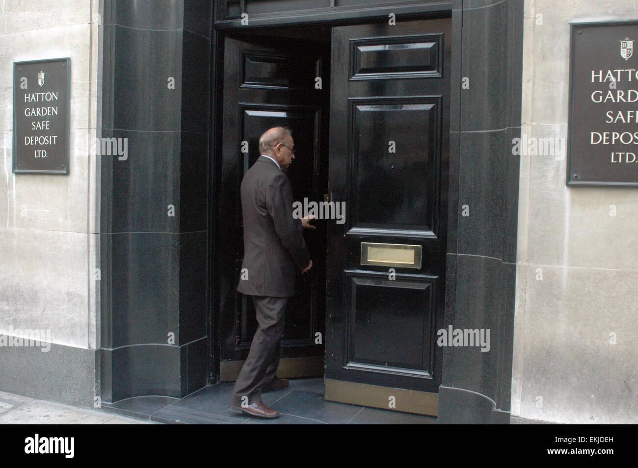London,UK,8 April 2015,Front door Hatton Garden Safe Deposit Ltd as police undertake investigation after Easter - Stock Image