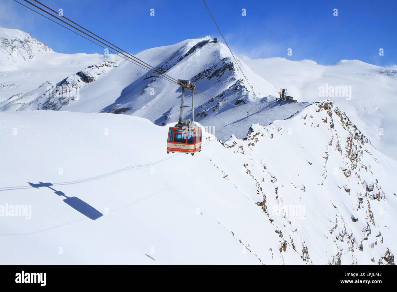 Rote Nase cable-car, Zermatt, Alps, Switzerland Stock Photo