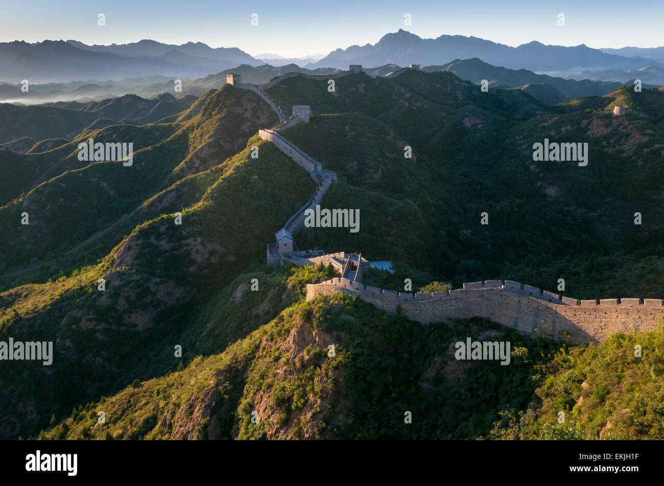 The Great Wall meanders the mountain tops in the Jinshanling section, Heibei Province, outisdeBeijing, China. - Stock Image