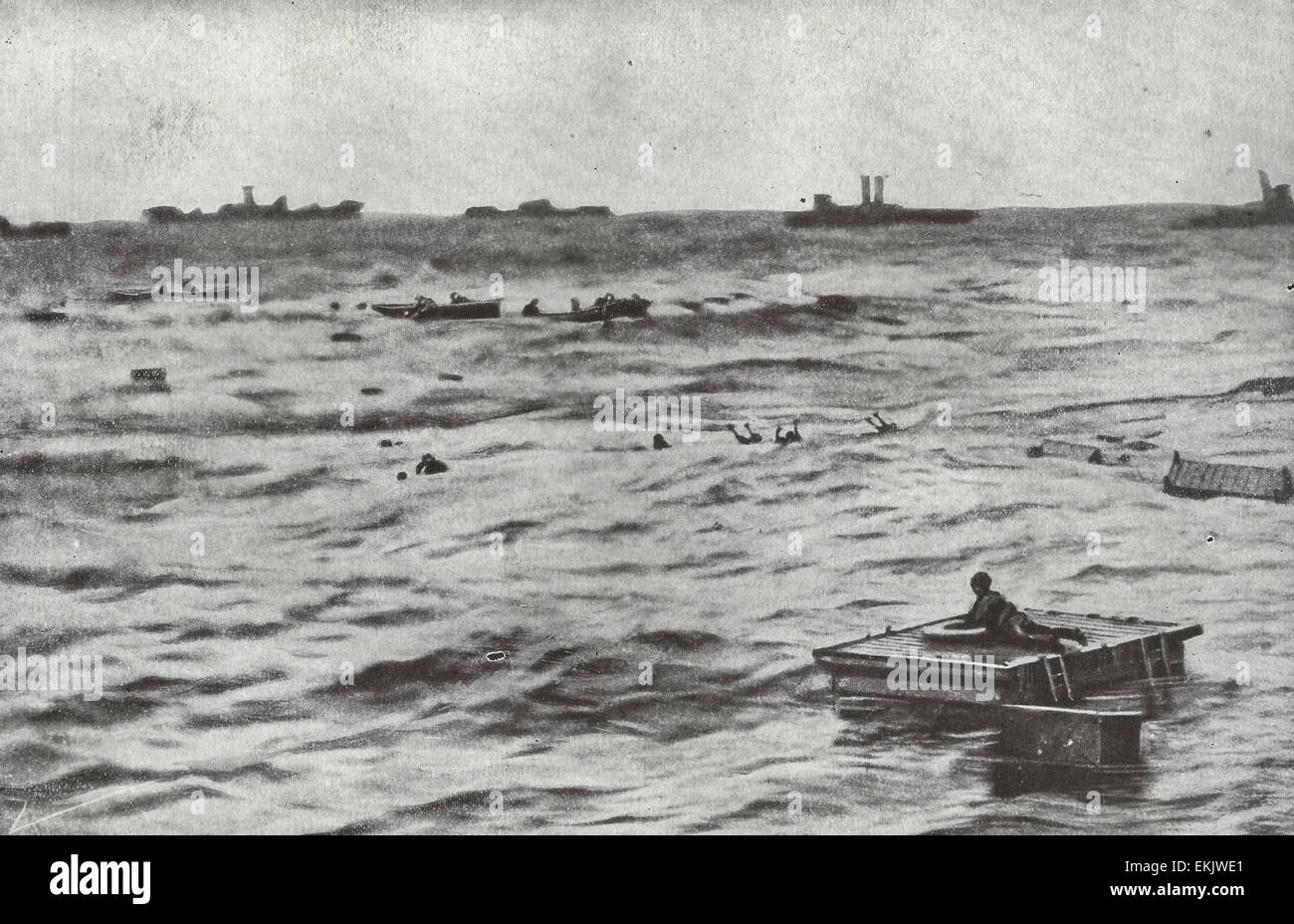 In this case, the Germans did not succeed in sinking without a trace - British destroyers are hurrying to the rescue - Stock Image