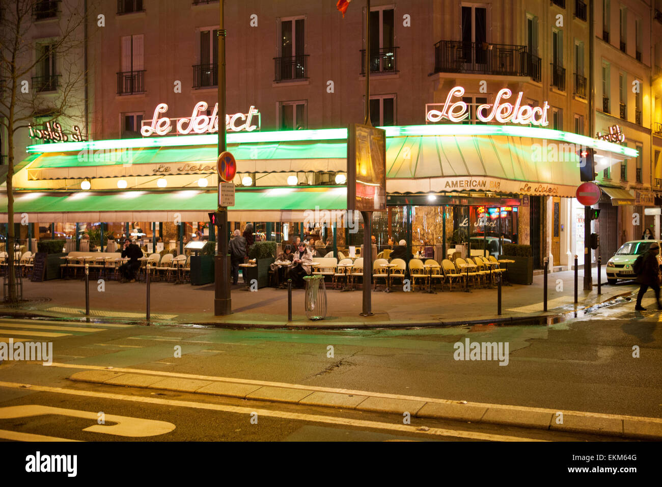 Le Select a famous cafe in Montparnasse, Paris - Stock Image