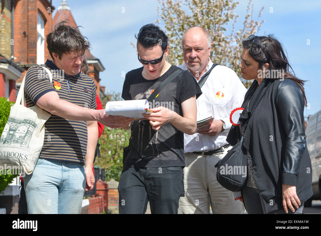 Wood Green, London, UK. 12th April 2015. Labour Party Councillors and activists out doorstepping in Wood Green, Stock Photo