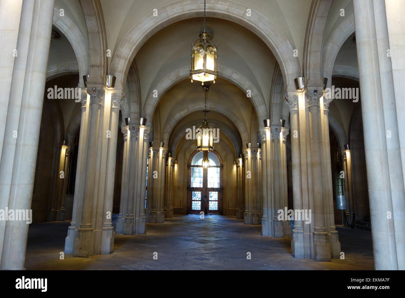 Interior entrance hall of old University of Barcelona, Plaza Universitat, Barcelona, Catalonia, Spain - Stock Image