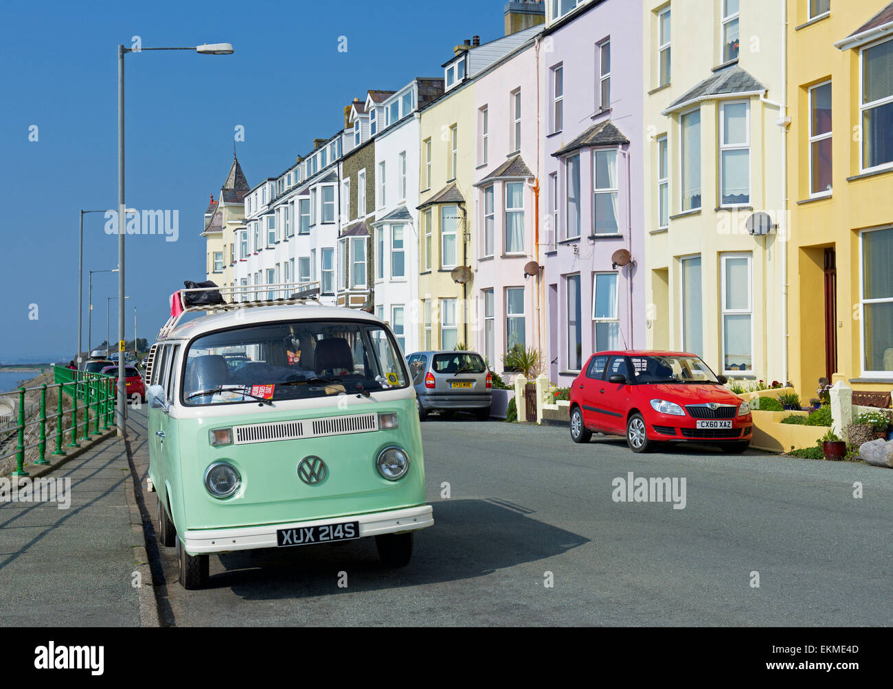 VW campervan parked in front of hotels in Criccieth, Gwynedd, Wales UK - Stock Image