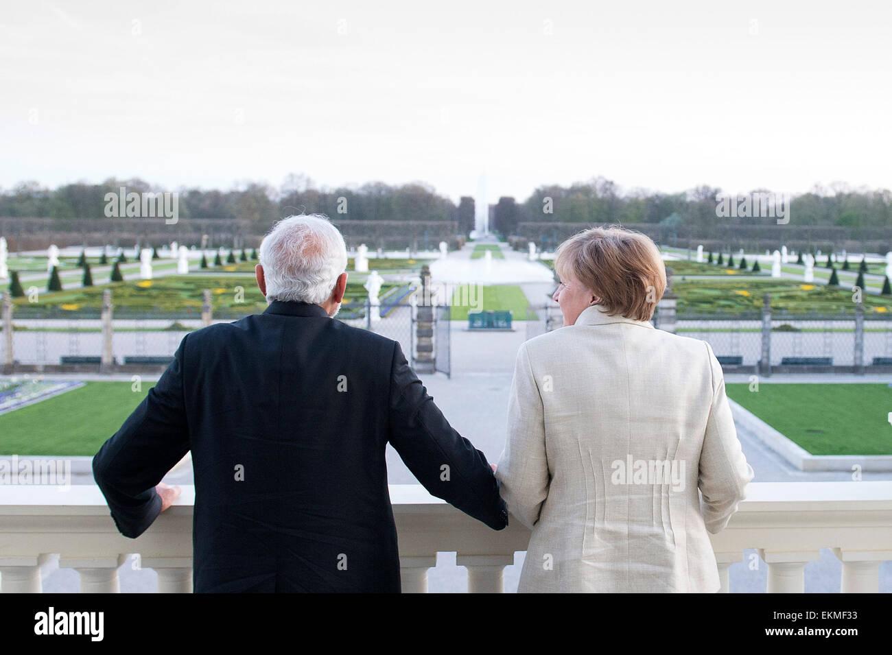 HANDOUT - Bundeskanzlerin Angela Merkel und der indische Premierminister Narendra Modi nach der Eröffnungszeremonie - Stock Image