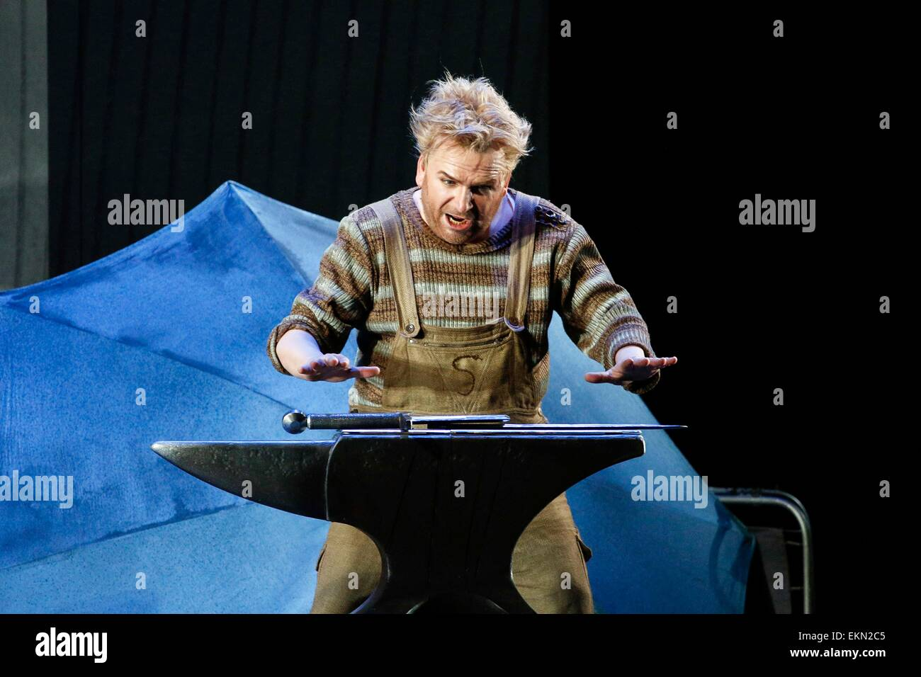 Leipzig, Germany. 7th April 2015, Christian Franz performing as Siegfried in the final dress rehearsal of Richard - Stock Image