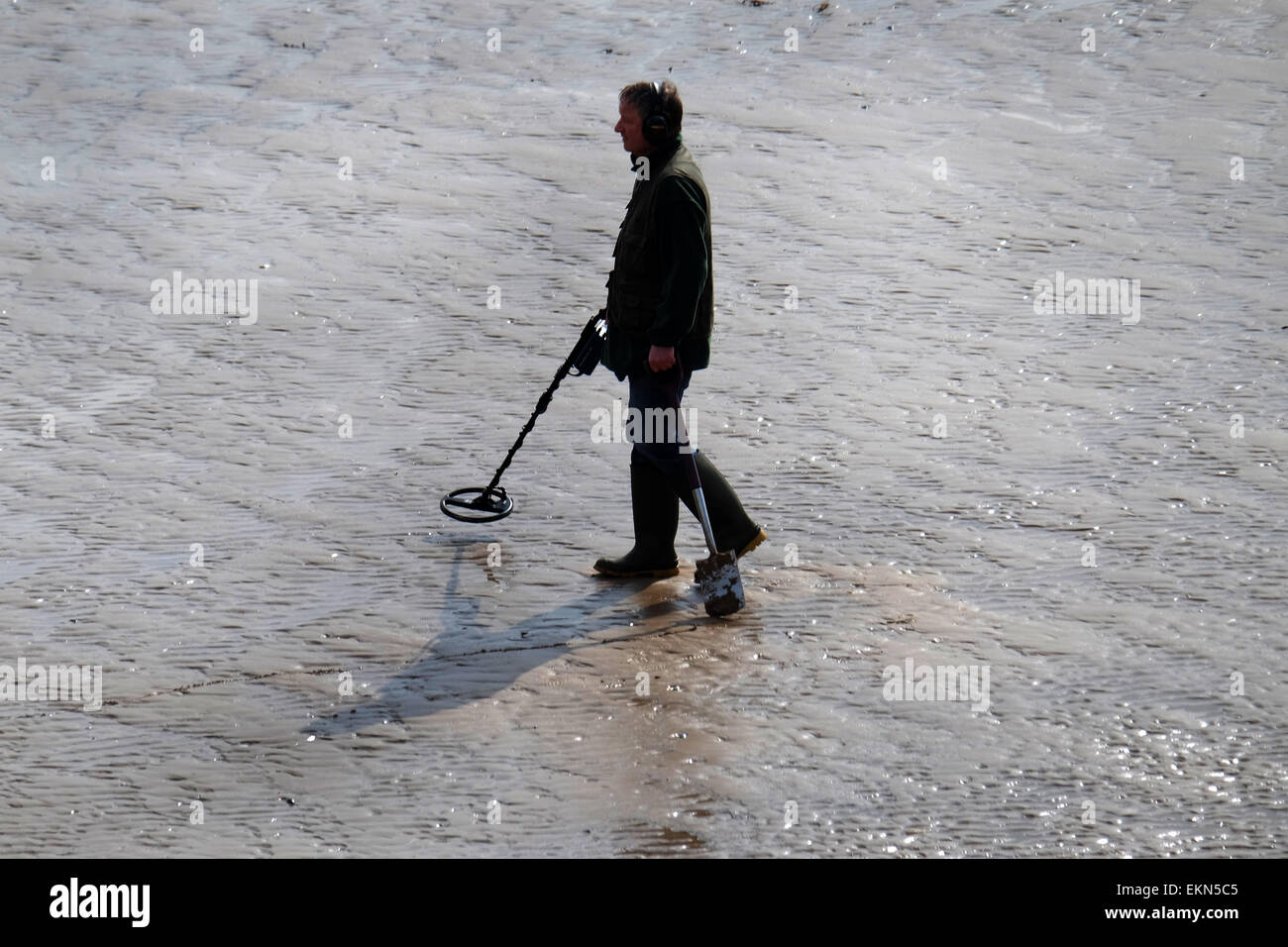 Jew Detector: Man With Metal Detector Stock Photos & Man With Metal