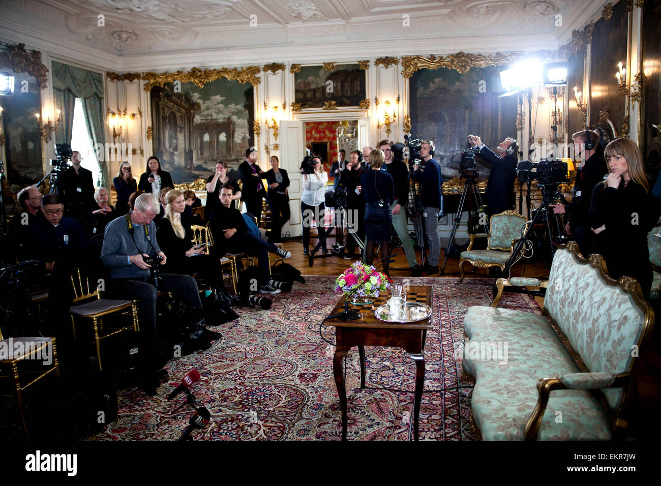 Fredensborg, Denmark. 13th April, 2015. Danish and foreign media is waiting for H.M.  Queen Margrethe of Denmark - Stock Image