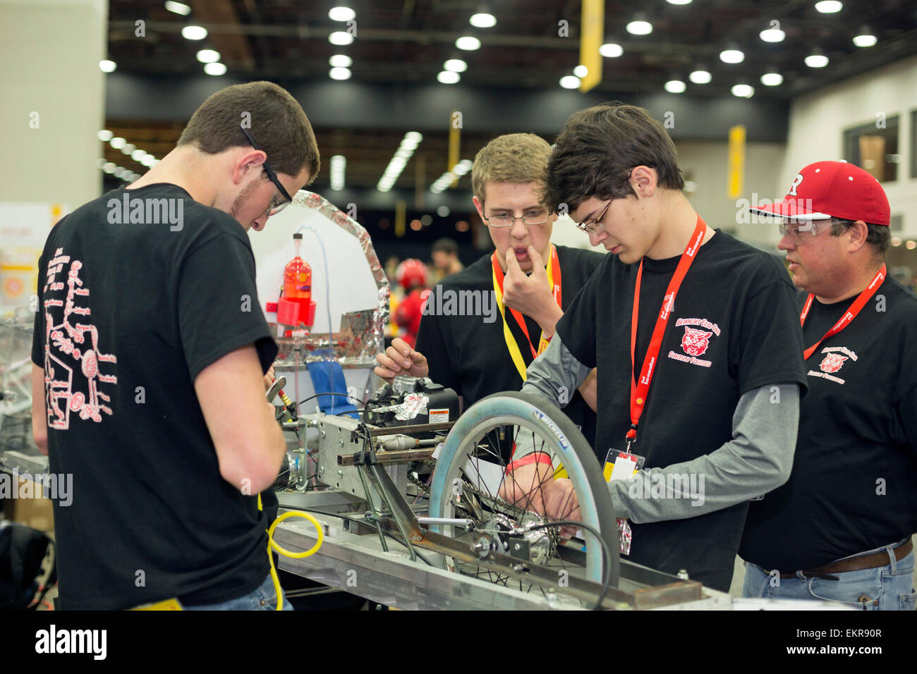 Detroit, Michigan - A team from Ruston High School in Louisiana prepares to compete in the Shell Eco-Marathon. - Stock Image