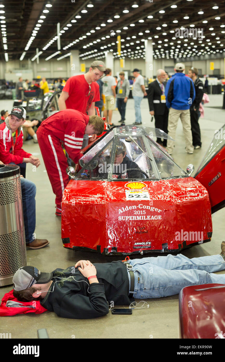 Detroit, Michigan - High school and college students wait to compete in ultra high mileage Shell Eco-Marathon. - Stock Image