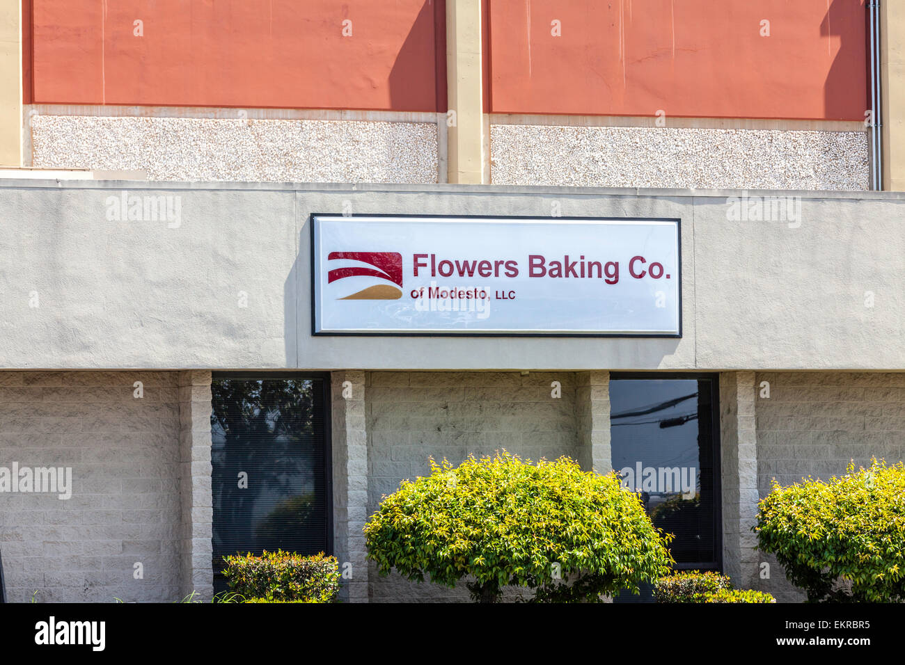 Flowers Baking Company in Modesto California maker of Wonder bread, Nature Own, Tastykake and other brands - Stock Image