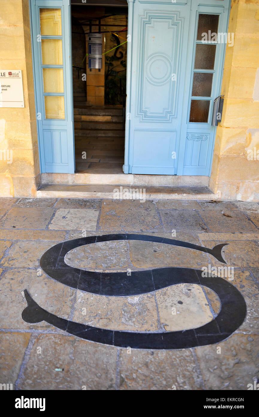 Salamander Zeichen in Sarlat-la-Canéda, Perigord noir, Dordogne, Aquitaine, France - Stock Image