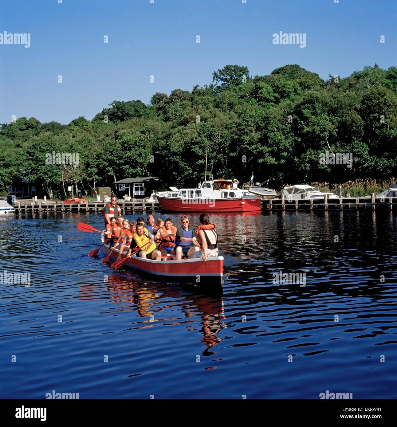 Youth Group In A Boat, Castle Archdale Country Park, Co Fermanagh, Ireland - Stock Image