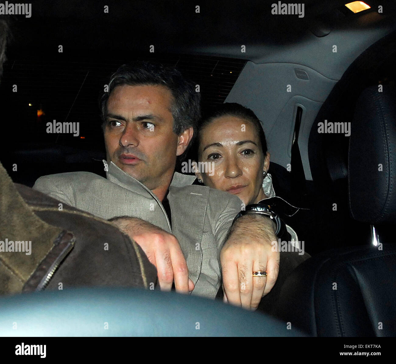 26.FEBRUARY.2007. LONDON MANAGER JOSE MOURINHO AND HIS ...