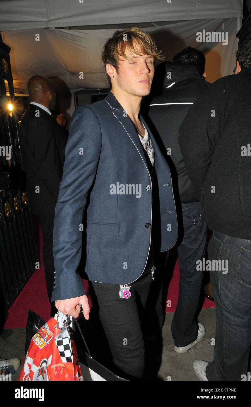 02.NOVEMBER.2010. LONDON  DOUGIE POYNTER FROM McFLY LEAVING BANQUETING HOUSE, WHITEHALL PLACE AFTER ATTENDING THE Stock Photo