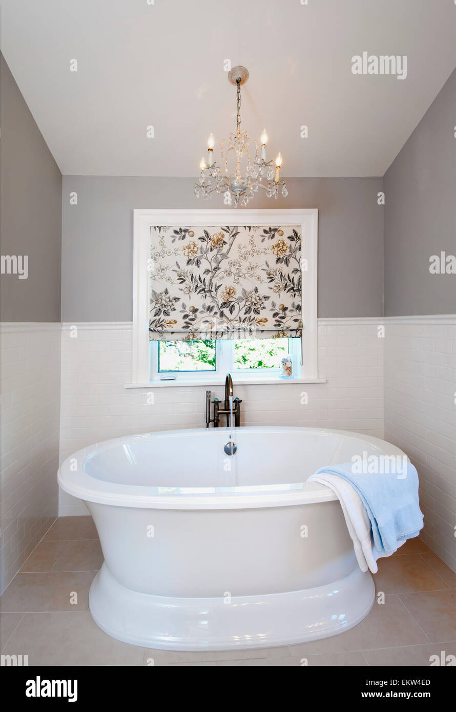 Picture of: A Deep Soaker Bathtub In A Contemporary Bathroom Vancouver Island Stock Photo Alamy