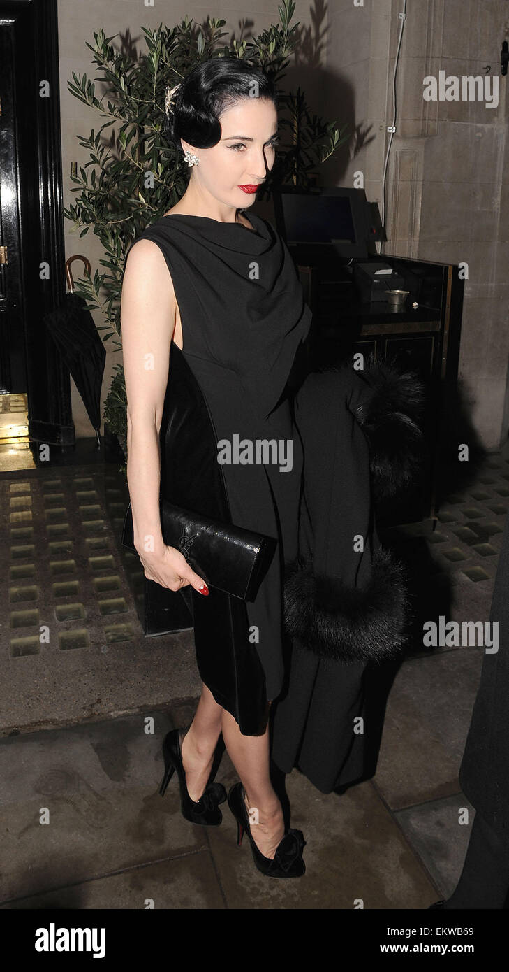 Page 3 Dita Von Teese Black Dress High Resolution Stock Photography And Images Alamy