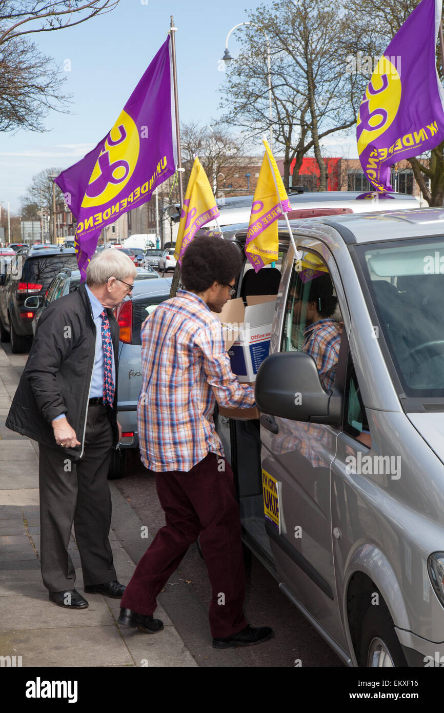 Southport, Merseyside, UK 14th April, 2015. UKIP Southport prepare for Neil Hamilton, UKIP Deputy Chairman (previously - Stock Image