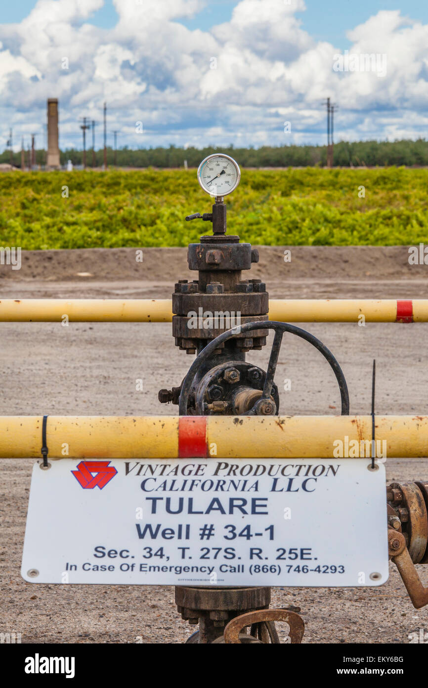 Deep injection well used for disposal of oil drilling and fracking wasterwater. Shafter, Kern County, California - Stock Image