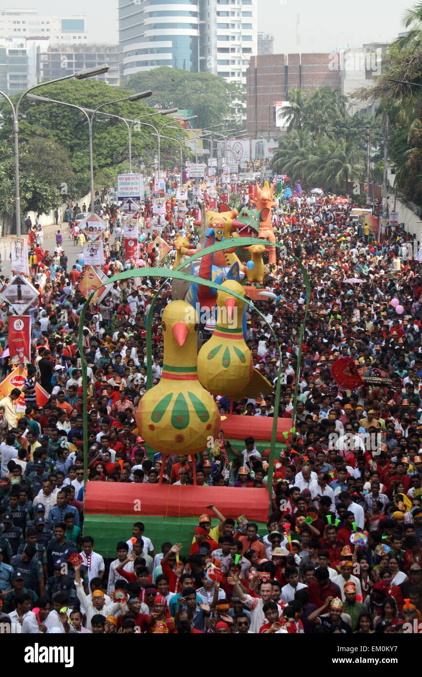 "Dhaka, Bangladesh. 14th April, 2015. Revellers attend a rally in celebration of the Bengali New Year or ""Pohela - Stock Image"